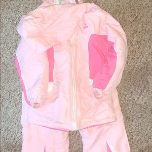 New condition Girls Oshkosh two piece snowsuit